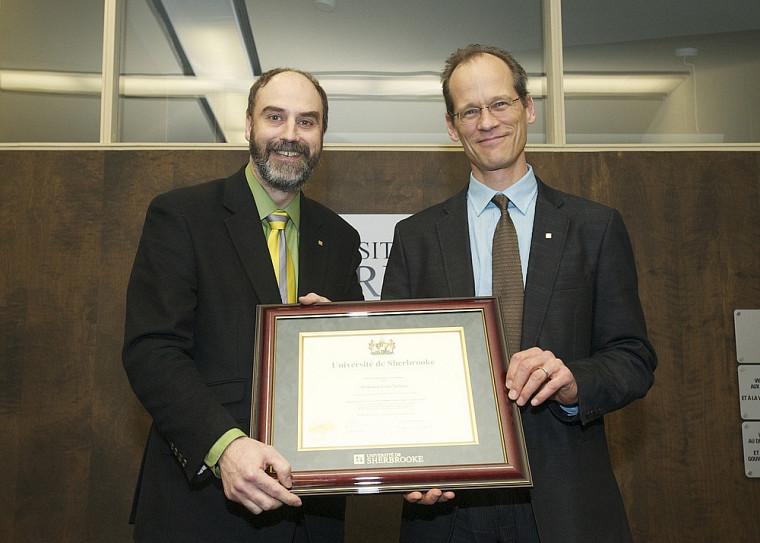 Le vice-recteur Jacques Beauvais et le professeur Louis Taillefer