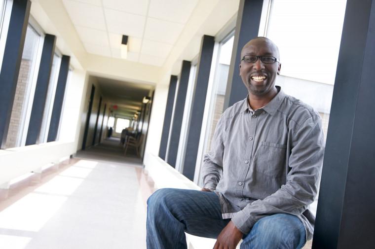 Patrick Dramé, professeur au Département d'histoire de la Faculté des lettres et sciences humaines de l'UdeS
