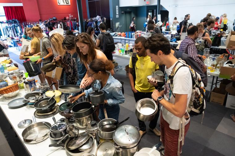 Plus de 1 000 étudiantes et étudiants ont visité le Bazar aux Journées de la rentrée.