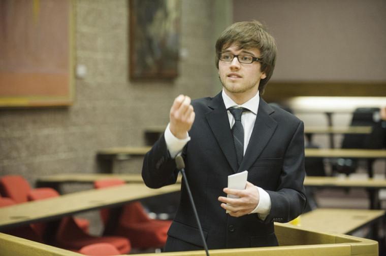 Alexandre Baril-Lemire représentera fièrement la Faculté lors de la compétitioninteruniversitaire, qui se tiendra le 4 avril prochain à l'Université Laval.