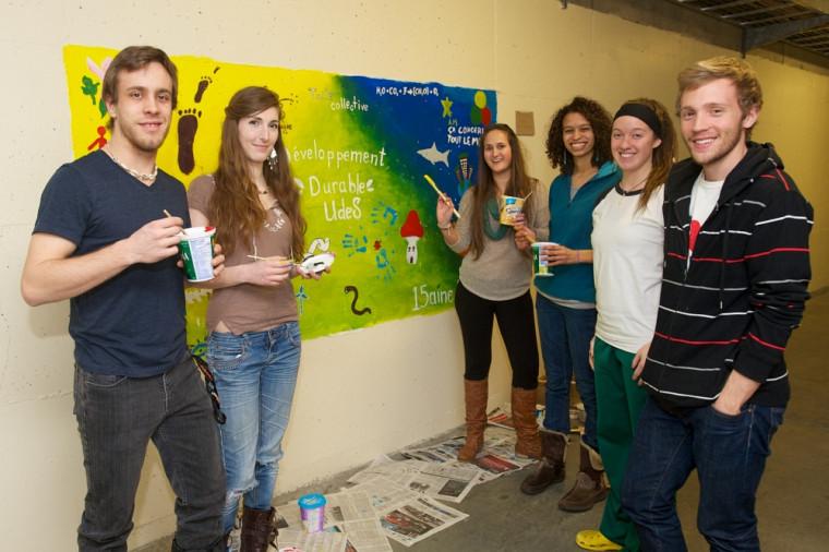 Michel Scultety-Ouellet a participé à la production de la fresque en compagnie des étudiants Laurie-Anne Bourdon, Vanessa Côté, Alexandra Cool-Fergus, Marjolaine Lanthier et Brendan Gray.
