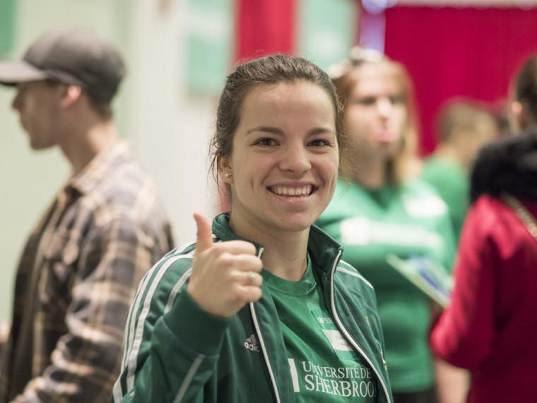 L'engagement étudiant permet de développer des compétences professionnelles et personnelles pendant le parcours universitaire.