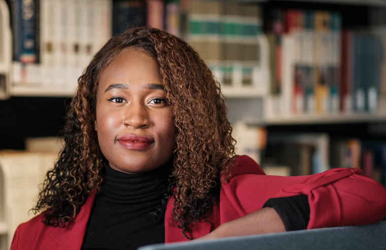 Djeinabou Barry, étudiante au baccalauréat en droit et initiatrice du chapitre sherbrookois de l'Association des étudiants noirs en droit – UdeS.