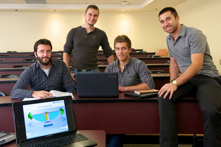 Mathieu Dumas, Simon Campeau, Louis-Simon Malo et Manuel Charlebois Ménard, quatre membres du projet Colibri