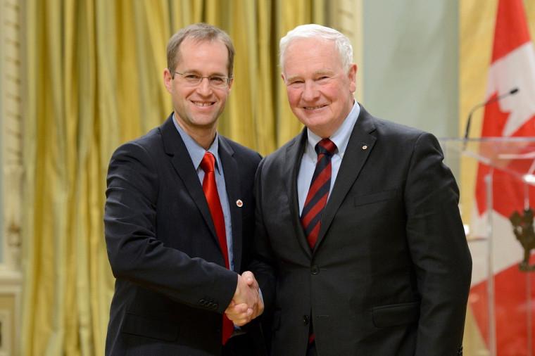 Pr Mark Vellend et Son Excellence le très honorable David Johnston, Gouverneur général du Canada.